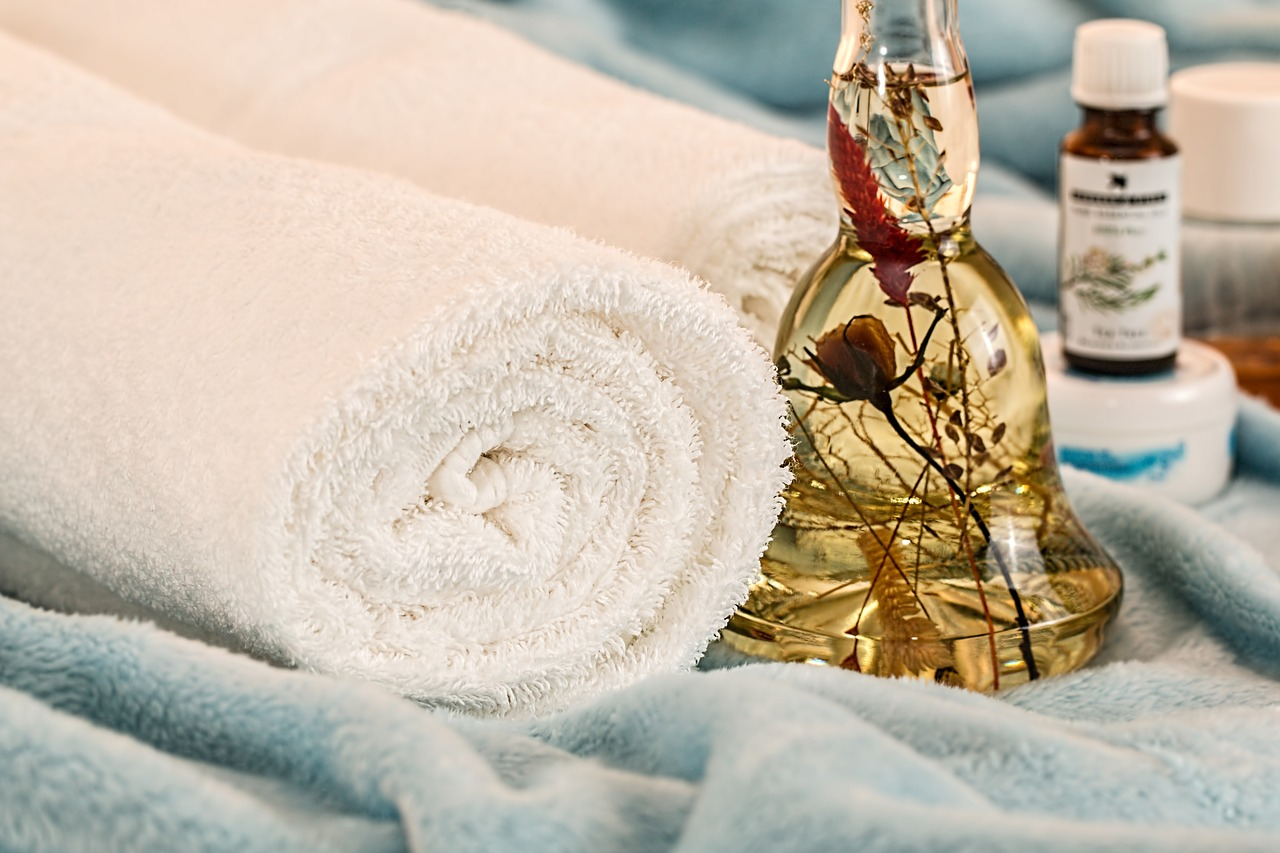 massage towel and oil